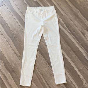 NWT UNIQLO White Ultra Stretch Jean Leggings